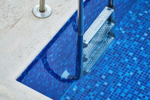 Pool Tiling   Precious Tiling